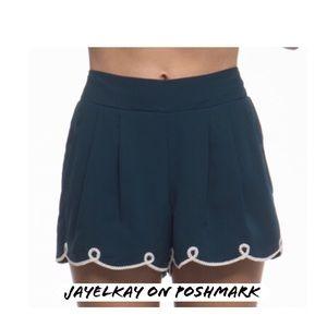 Pants - Scalloped shorts
